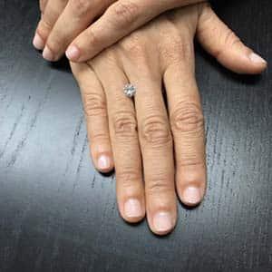 Hand Shot of Brian Gavin Signature round diamond, AGSL 104090535077