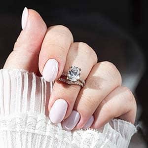 Rose Gold Pavé Setting for Oval Diamond