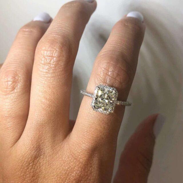 2-carat radiant cut diamond halo setting