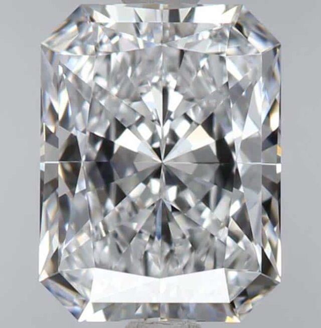 Radiant Cut Diamond Buying Guide