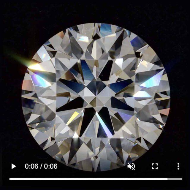 Ultra High Resolution Diamond Clarity Video.