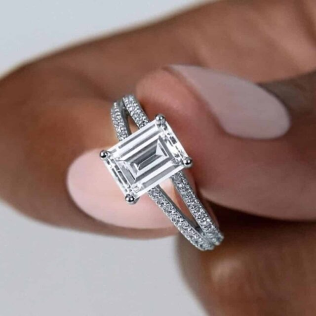 Double French-set Diamond V ring by Ritani.