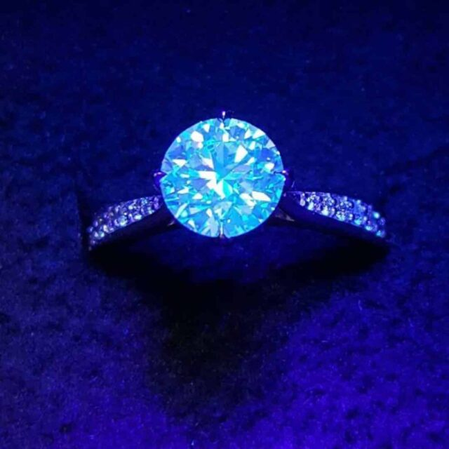 Brian Gavin Pavé Setting Diamond Blue Fluorescence.